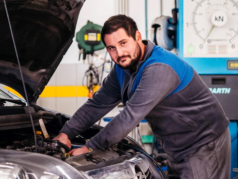 avtohisa-zalar-opel-rabljena-nova-vozila-osebje-zaposleni (3)