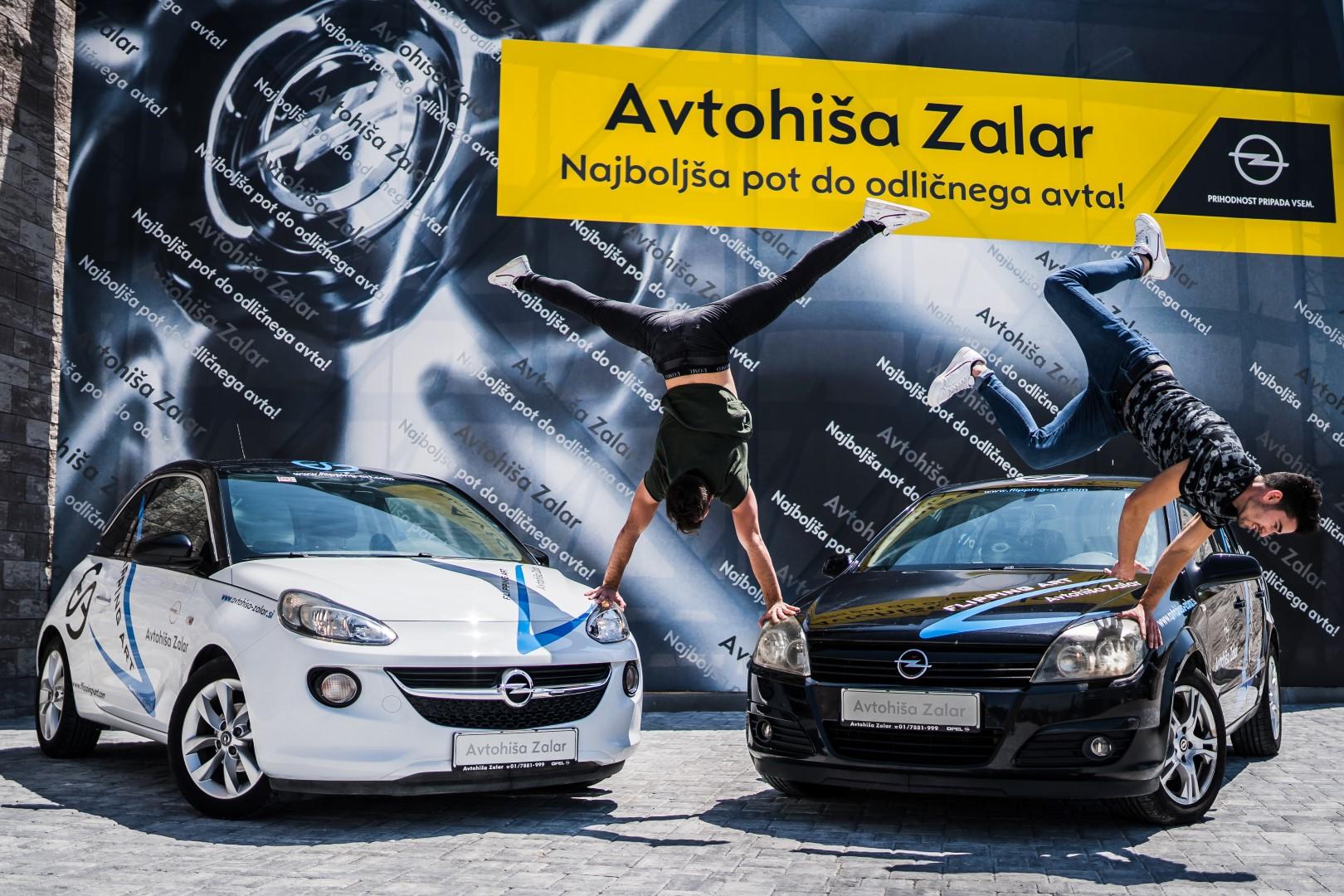 avtohisa-zalar-flipping-art-z-roko-v-roki-opel-adam-tim-nuc-luka-avgustin-simona-zalar-ciril-sponzorsko-vozilo (8)