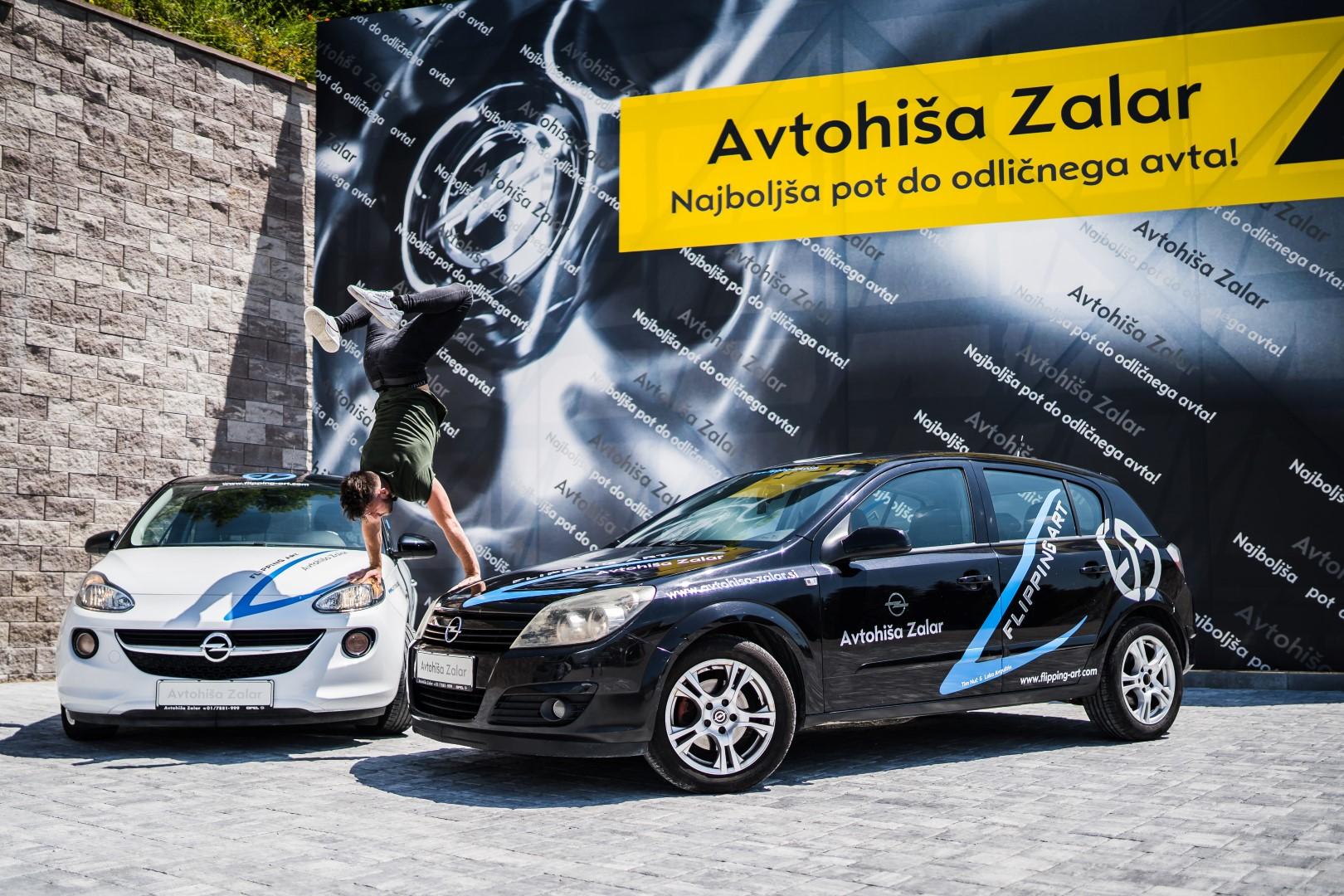 avtohisa-zalar-flipping-art-z-roko-v-roki-opel-adam-tim-nuc-luka-avgustin-simona-zalar-ciril-sponzorsko-vozilo (9)