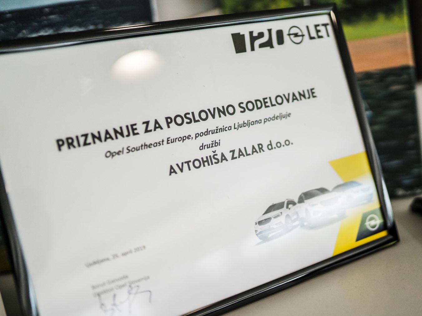 avtohisa-zalar-opel-nova-rabljena-vozila-avtomobili-servis-vzdrzevanje-zavarovanje-registracija-nakup-garancija-jamst (102)
