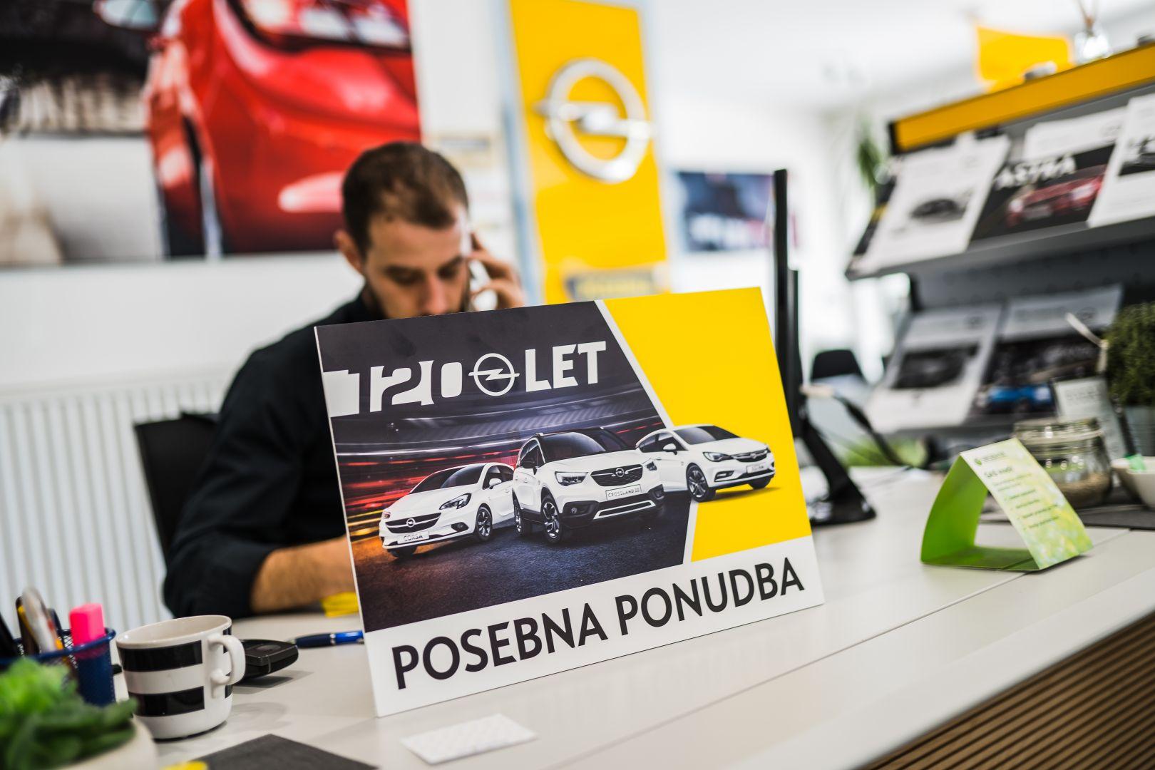 avtohisa-zalar-prodaja-novih-vozil-opel-120-let (2)