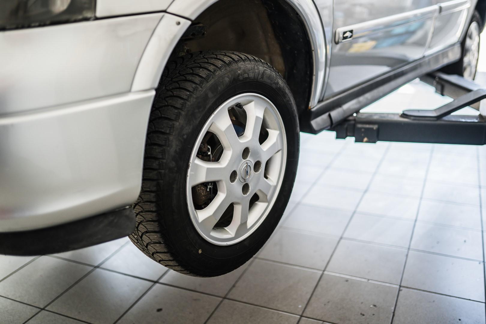 avtohisa-zalar-kvaliteten-servis-vozil-avtomobilov-jamstvo-hitri-servis (1)