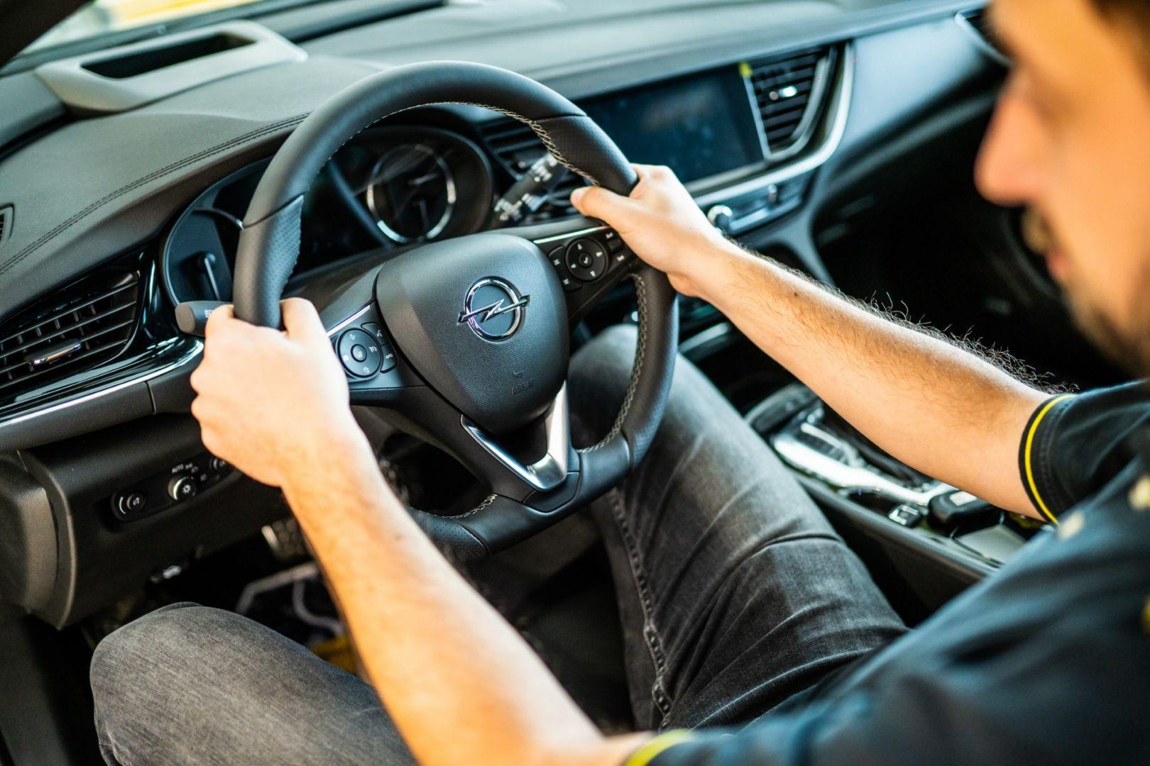 avtohisa-zalar-nova-rabljena-vozila-servis-prodaja-vzdrzevanje-zavarovanje-svetovanje (39)