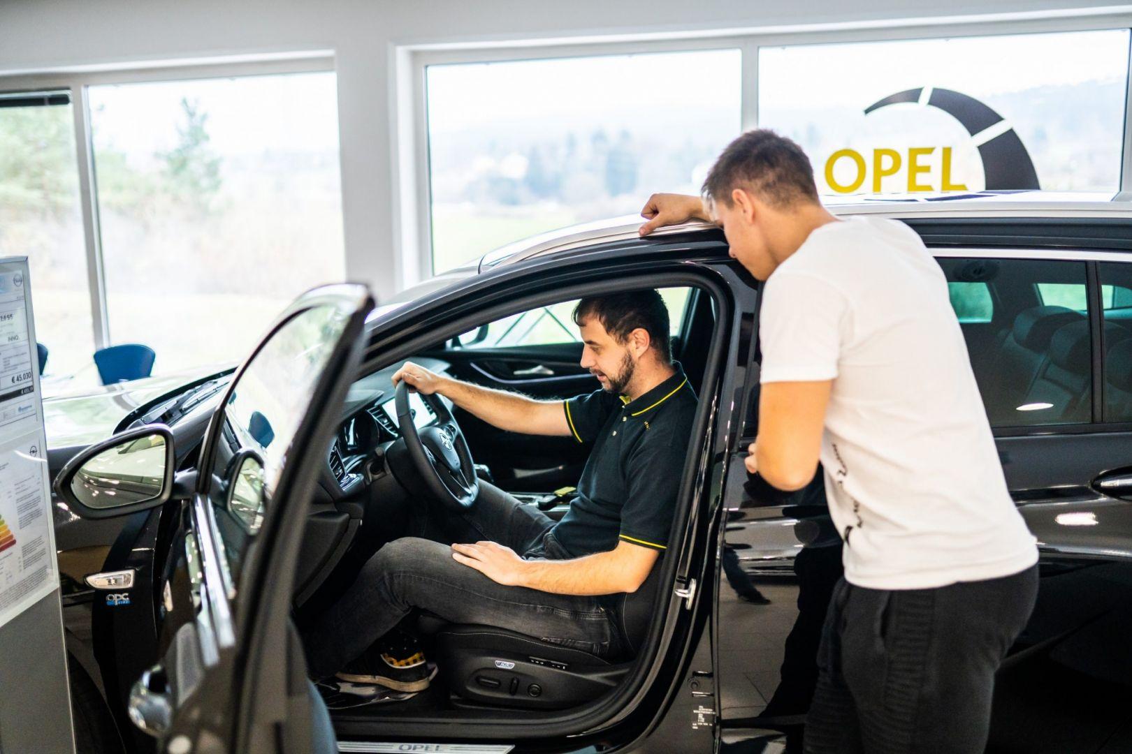 avtohisa-zalar-nova-rabljena-vozila-servis-prodaja-vzdrzevanje-zavarovanje-svetovanje (40)