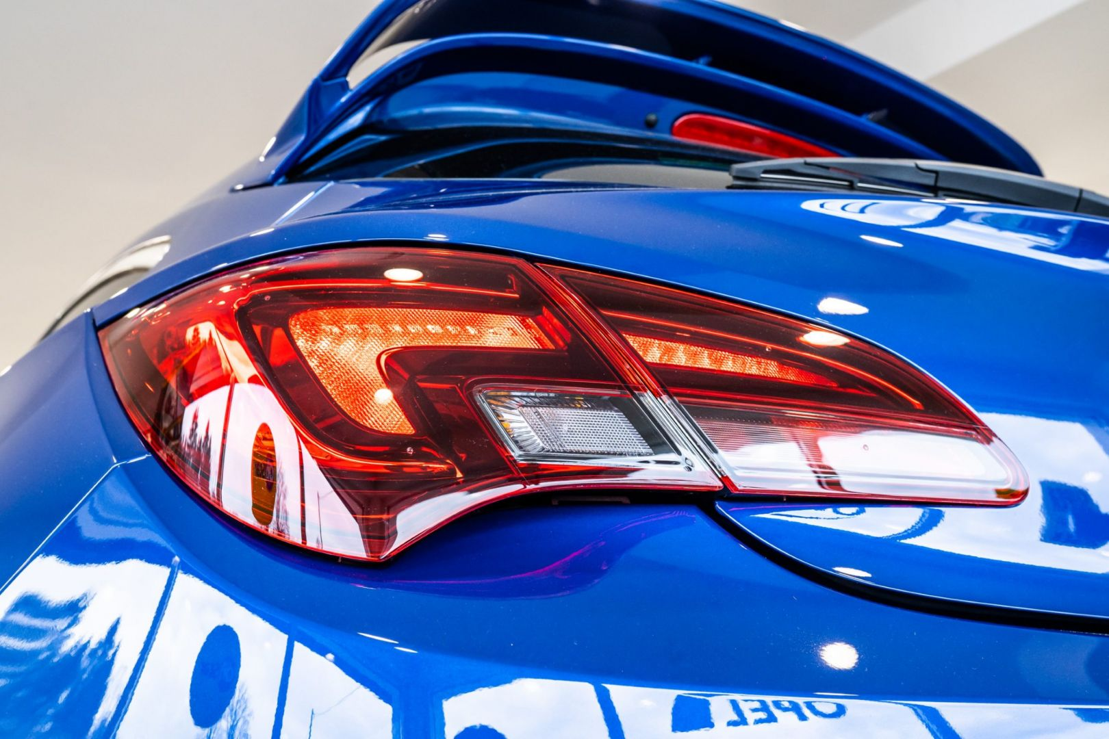 avtohisa-zalar-nova-rabljena-vozila-servis-prodaja-vzdrzevanje-zavarovanje-svetovanje (47)