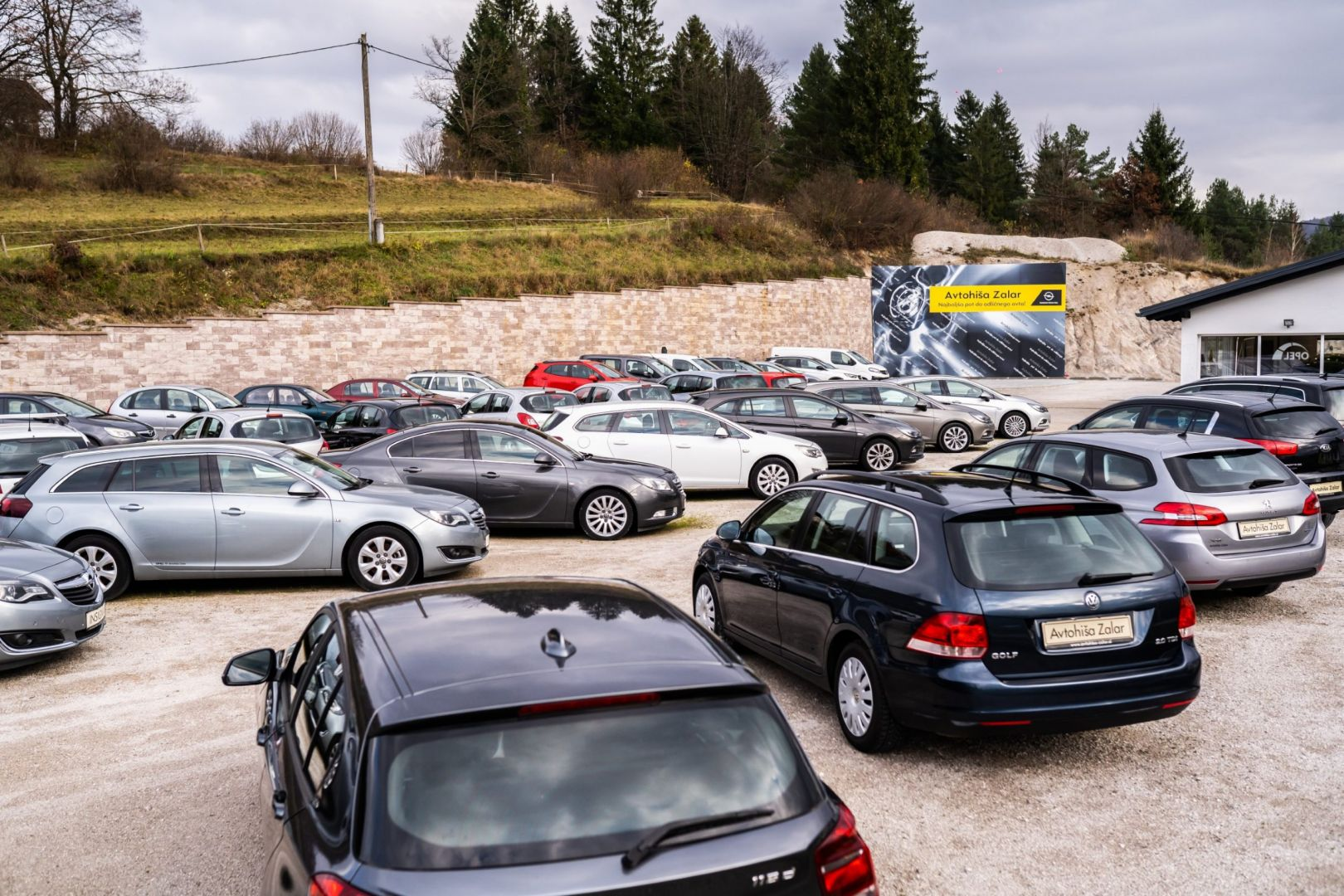 avtohisa-zalar-nova-rabljena-vozila-servis-prodaja-vzdrzevanje-zavarovanje-svetovanje (77)